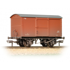 Bachmann 38-477 LNER 12T Non-Ventilated Van BR Bauxite (Early) - Weathered