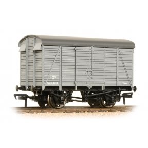 Bachmann 38-080C 12 Ton Southern 2+2 Planked Ventilated Van LMS Grey