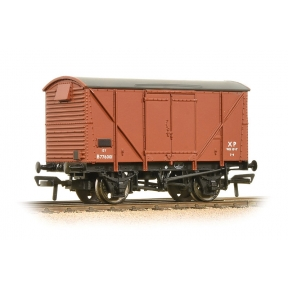 Bachmann 38-170D 12 Ton BR Plywood Ventilated Van Bauxite (Early)