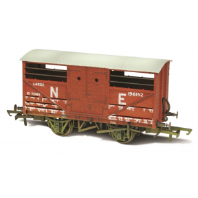Oxford Rail OR76CAT003W Cattle Wagon Lime Washed LNER 196152