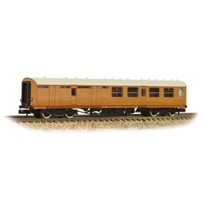 Graham Farish 376-275 N Gauge Thompson Third Class Brake Corridor LNER Teak