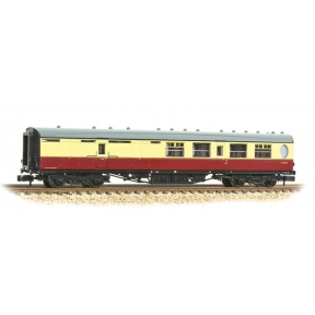 Graham Farish 376-276 N Gauge Thompson Third Class Brake Corridor BR Crimson & Cream