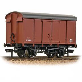 Bachmann 38-076D SR 12T Plywood Ventilated Van BR Bauxite Early