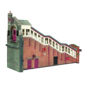 Bachmann 44-119C OO Gauge Great Central High Level Station Entrance BR Maroon & Cream
